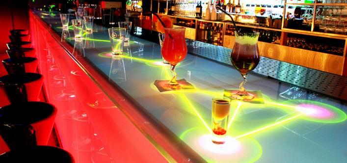 интерактивная барная стойка iBar в баре